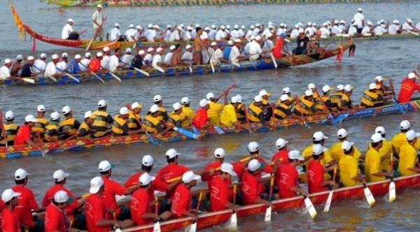 wodnii-festival-v-kambodze