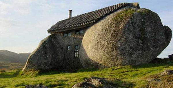 kamennii-dom